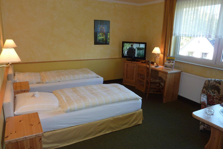 Отель Akzent Hotel Zur Wasserburg