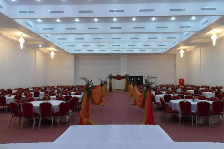 Отель Al Mandoos Hotel