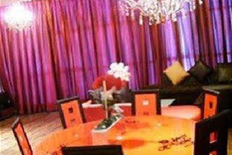Отель Al Manzil Suites - 2 Adliya