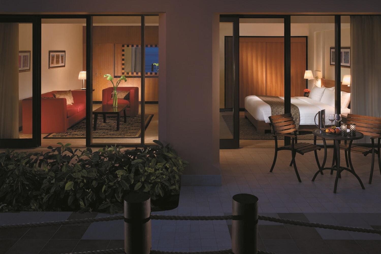 Отель Al Waha Hotel at Shangri-La's Barr Al Jissah Resort & Spa