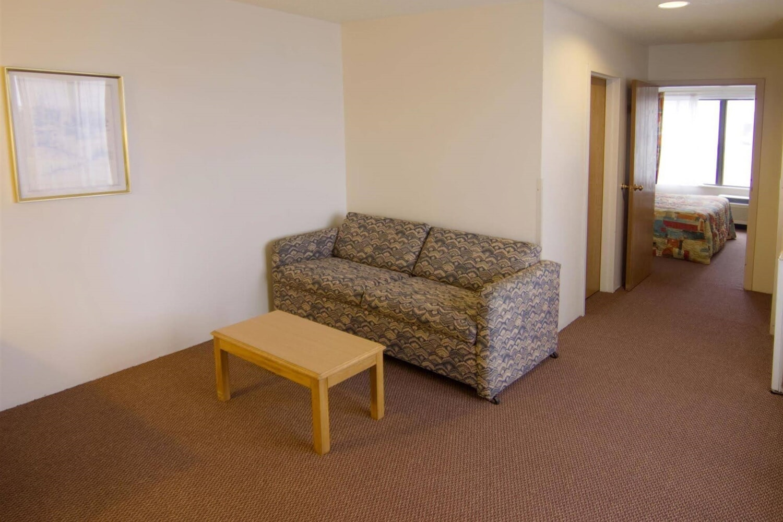 Отель Americas Best Value-Courtyard Inn