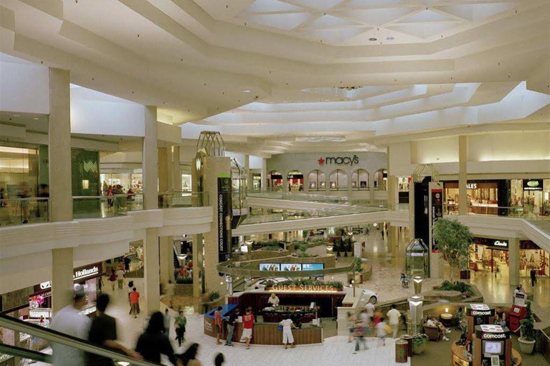 chicagos largest shopp - 990×660