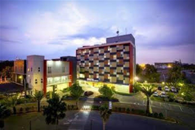 Отель @Hom Hotel Tambun