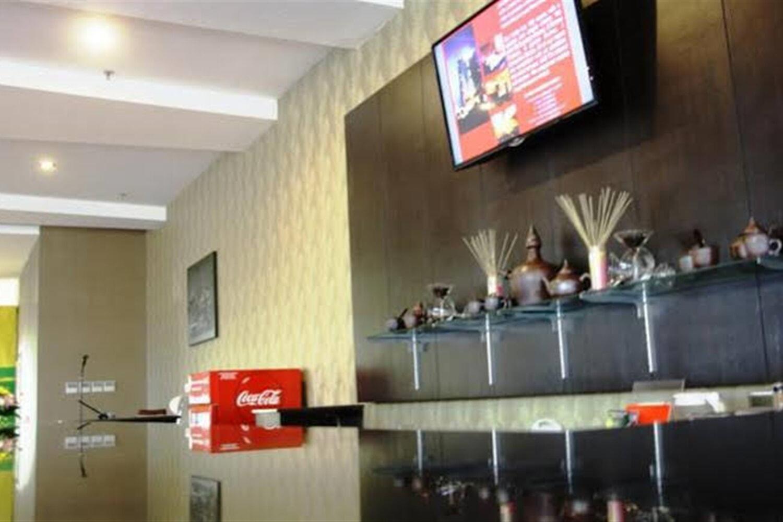 Отель @Hom Premiere Cilacap