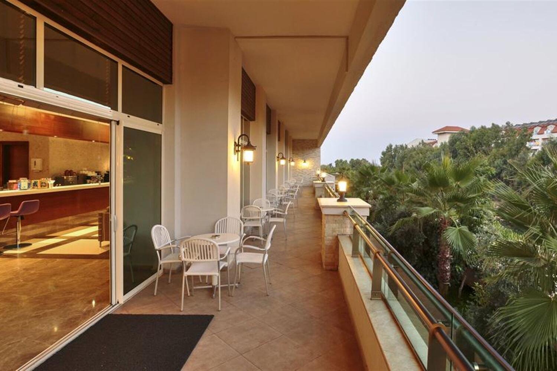 Отель Sunis Hotels Evren Beach Resort & Spa