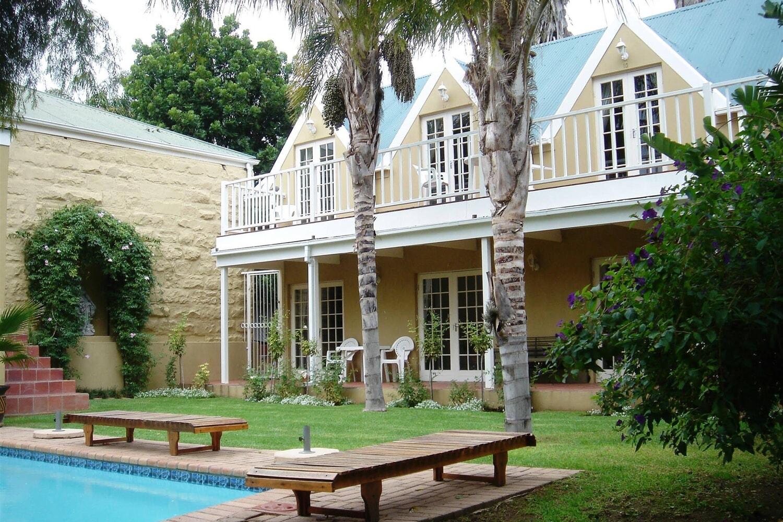 Отель @Yamkela Guest House