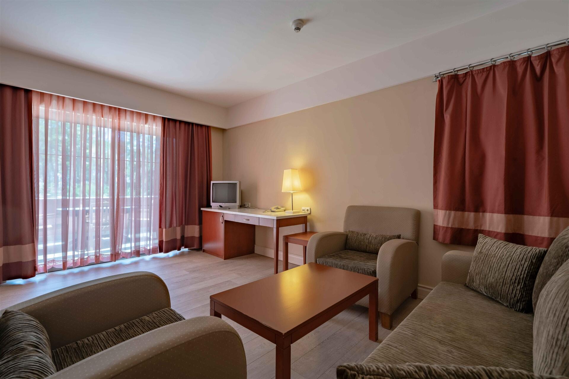 EUPHORIA TEKİROVA HOTEL – Superior Club Suite