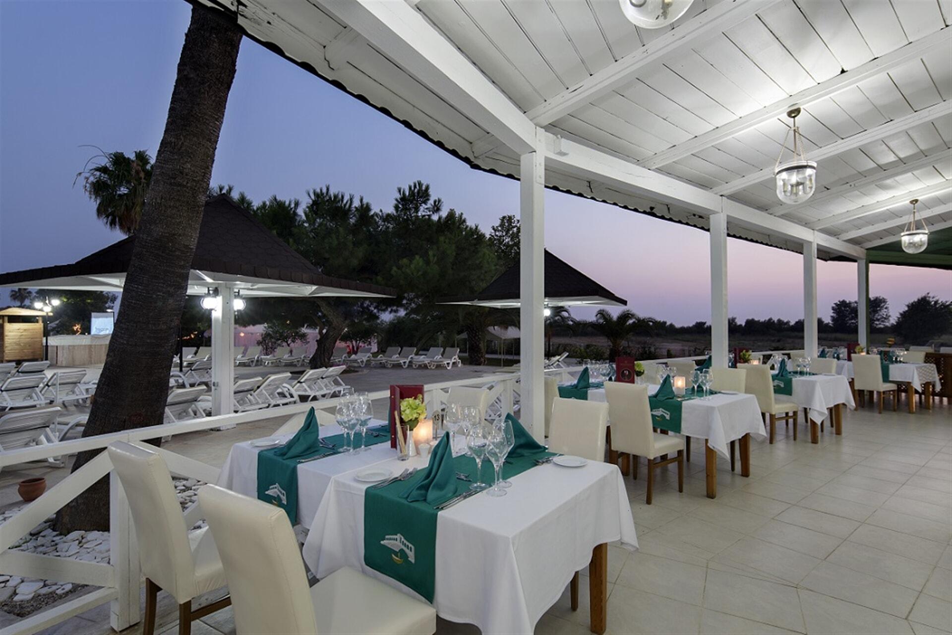 İtalyan mutfağını, Akdeniz bahçeleri manzarasında masanıza taşıyoruz.