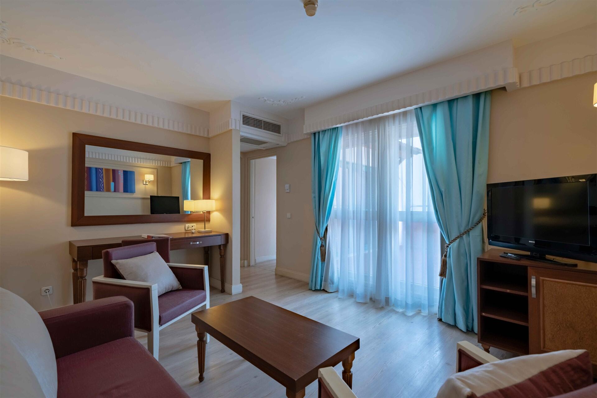 EUPHORIA TEKİROVA HOTEL – Junior Club Suite