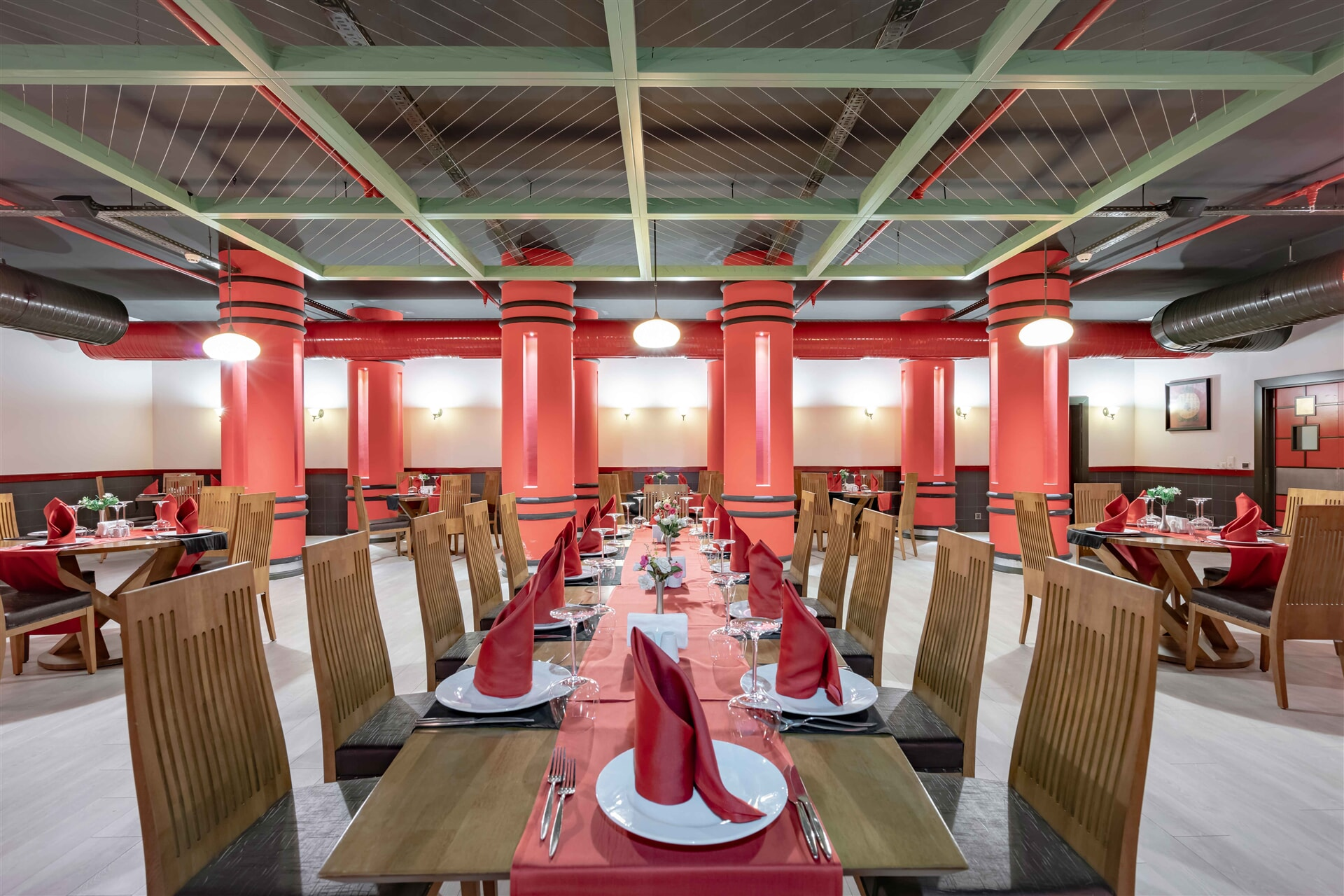 An elegant environment where you can experience the different plates of the Far East.