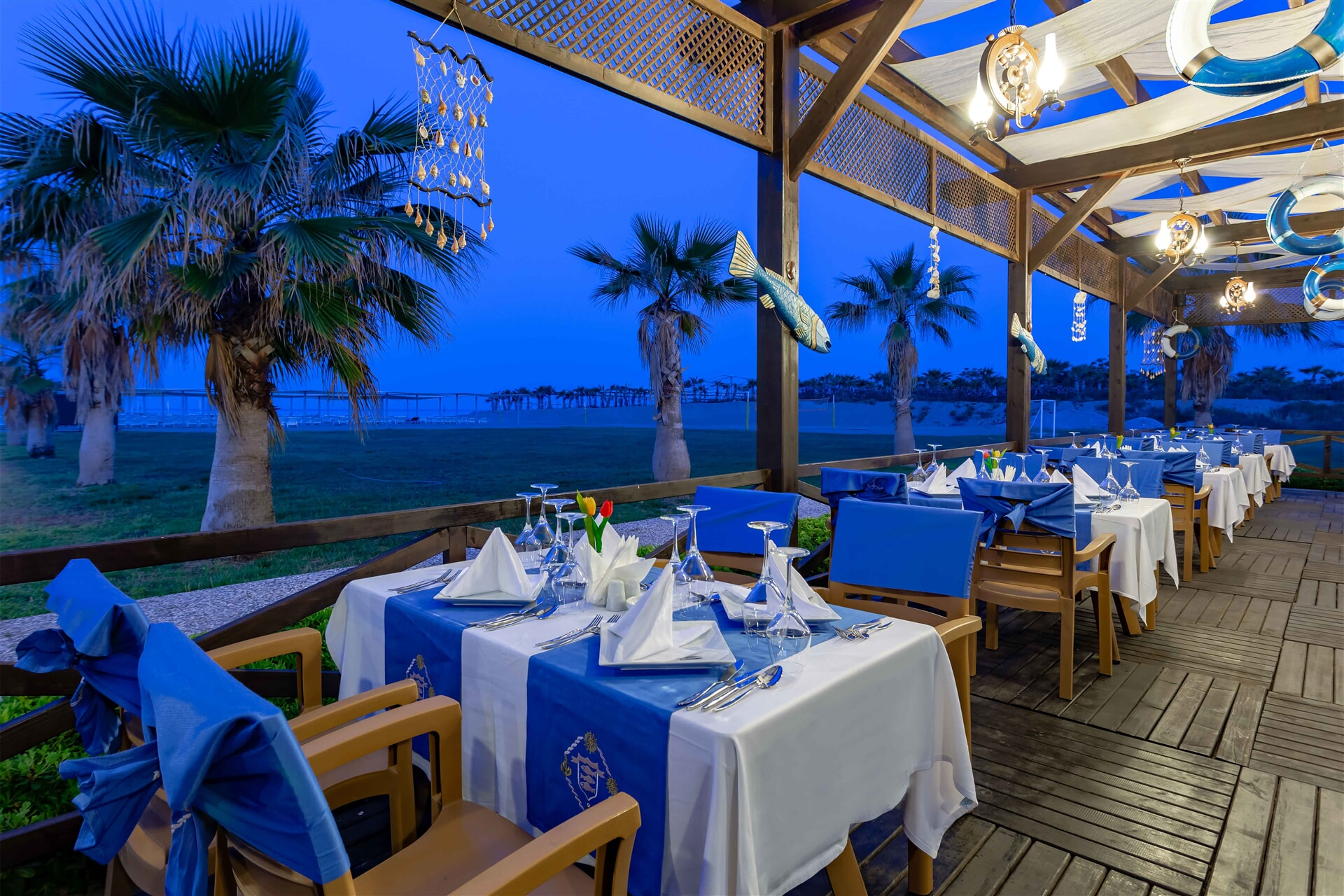 Seasonal fish and seafood menu accompanied by a romantic landspace will add color to your evenings.