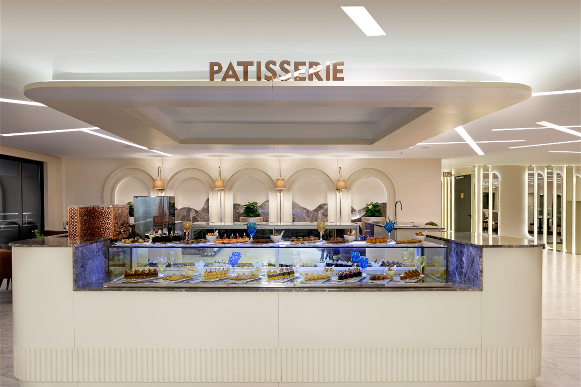 Would you like to try the cakes and desserts that our chefs make?