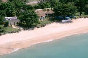Отель 1 BR Beachfront Cottage - Runaway Bay - PRJ 1448