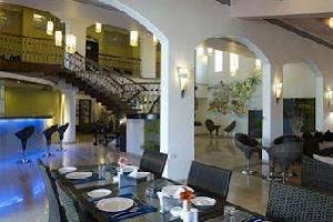 Отель 10 Calangute