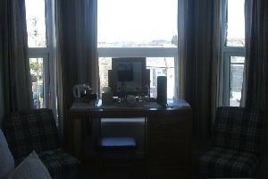 Отель 10 Treverbyn Road