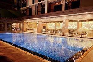 Отель 101 Holiday Suites