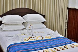 Отель 115 Miles Traveller's Inn