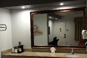 Отель 12 Oaks Hotel