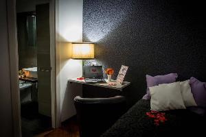 Отель 121 Candia Guest House