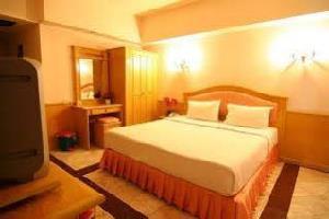 Отель 13 Coins Airport Hotel Min Buri