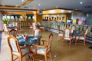 Отель 13 Coins Hotel Bang Yai
