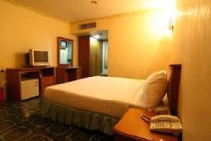Отель 13 Coins Resort Yotin Patana