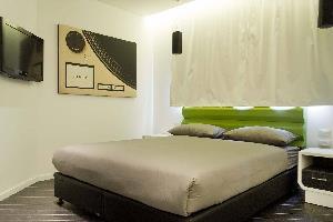 Отель 130 Rock Apartments