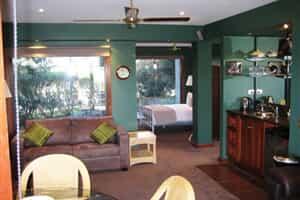 Отель 9th Green Studio
