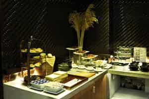 Отель A & EM 8A Thai Van Lung