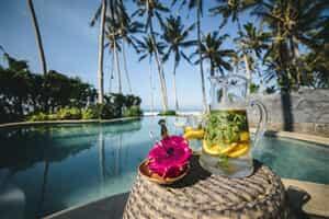 Отель Absolute Beachfront Romantic Villa Laut
