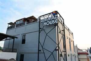 Отель Adamaz House