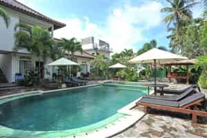 Отель Airy Raya Pantai Kuta Lombok