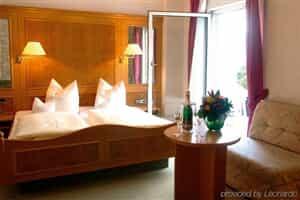 Отель Akzent Hotel Roter Löwe