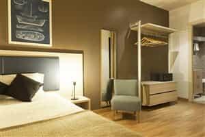Отель MH Apartamentos Ramblas