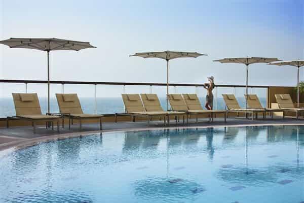 Отель Amwaj Rotana - Jumeirah Beach Residence.