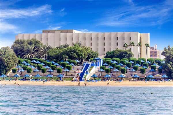 Отель BM Beach Hotel
