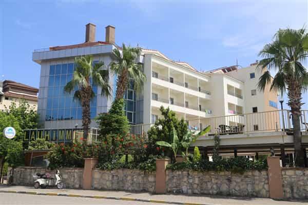 Отель Istanbul Beach Hotel (ex Blauhimmel Hotel)