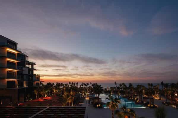 Отель Caesars Palace Bluewaters Dubai