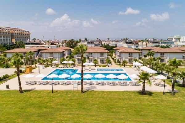 Отель Crystal Boutique Beach Resort