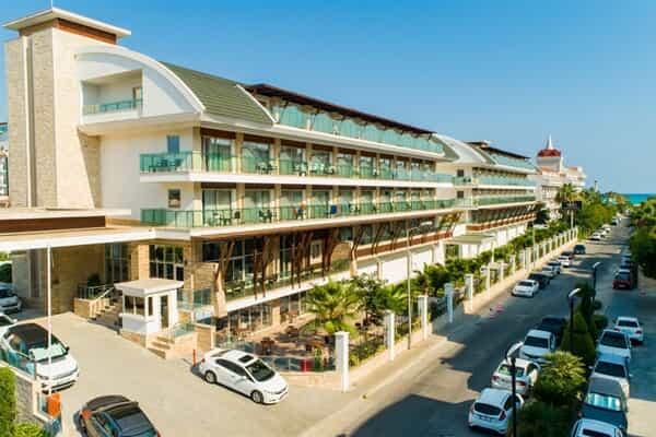 Отель Crystal Waterworld Park Resort & Spa Hotel