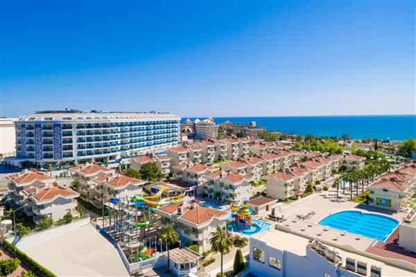 Отель Dream World Hill Resort