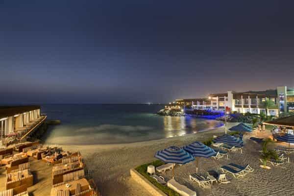 Отель Dubai Marine Beach Resort & Spa