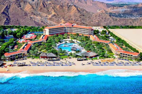 Отель Fujairah Rotana Resort & Spa