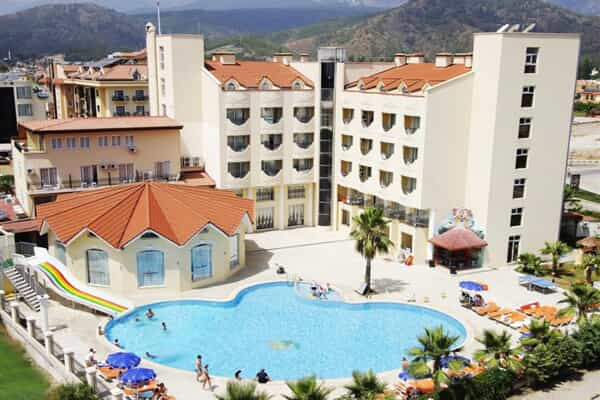 Отель Larissa Inn Hotel