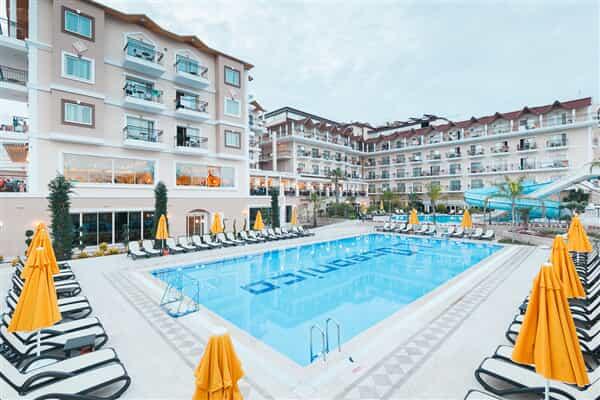 Отель Loceanica Beach Resort Hotel