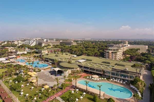 Отель Maritim Pine Beach Resort