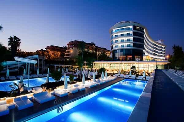 Отель Q Premium Resort Hotel
