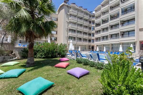 Отель Seaden Sweet Park Hotel