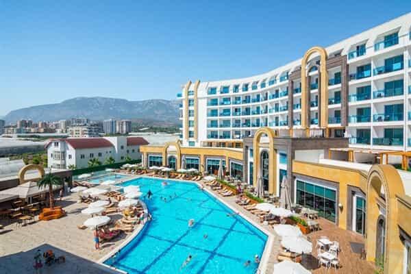 Отель The Lumos Deluxe Resort Hotel & Spa