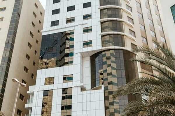 Отель Tulip Inn Al Khan Hotel